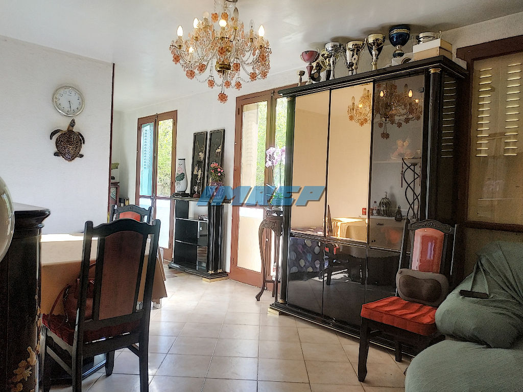 AFFAIRE Appartement Type 3 - LA CRAVACHE Prado Michelet 13009