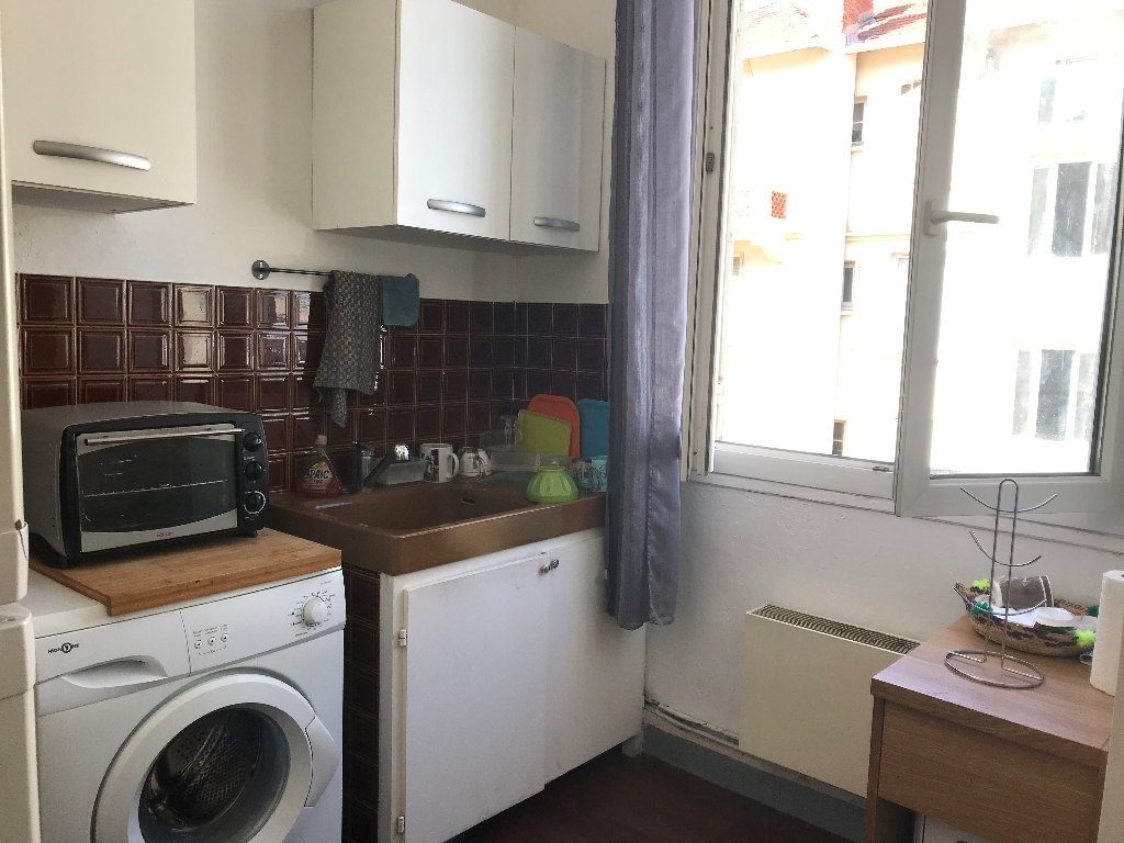 13010  SCHLOESING Appartement Marseille type 2  36 m2